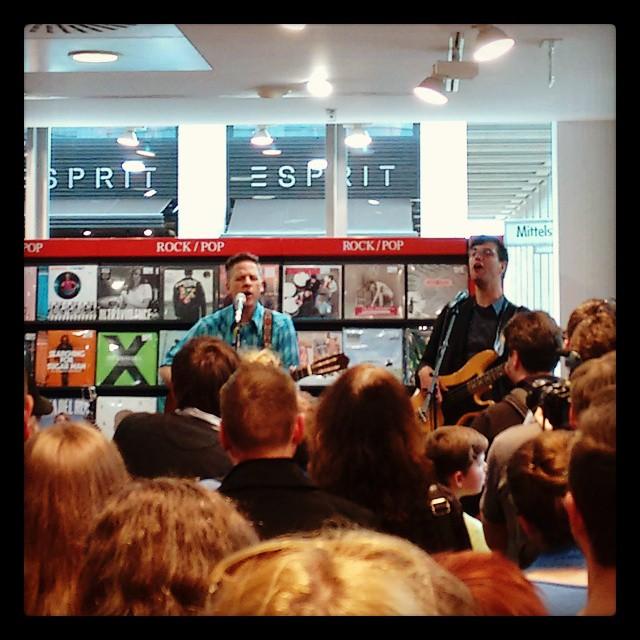 Live-Kostproben mit Calexico im Kulturkaufhaus (Foto: Dreier)